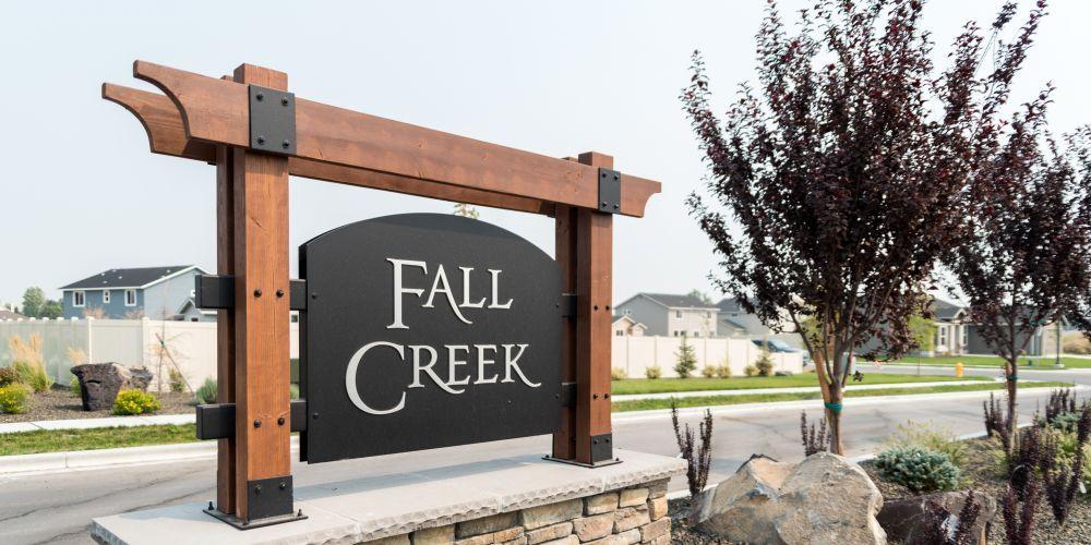 The Fall Creek,83687