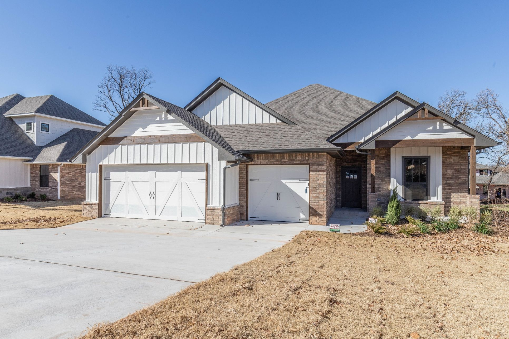 Homes by Taber Mallory Floor Plan with Brick-5025 Sunspear