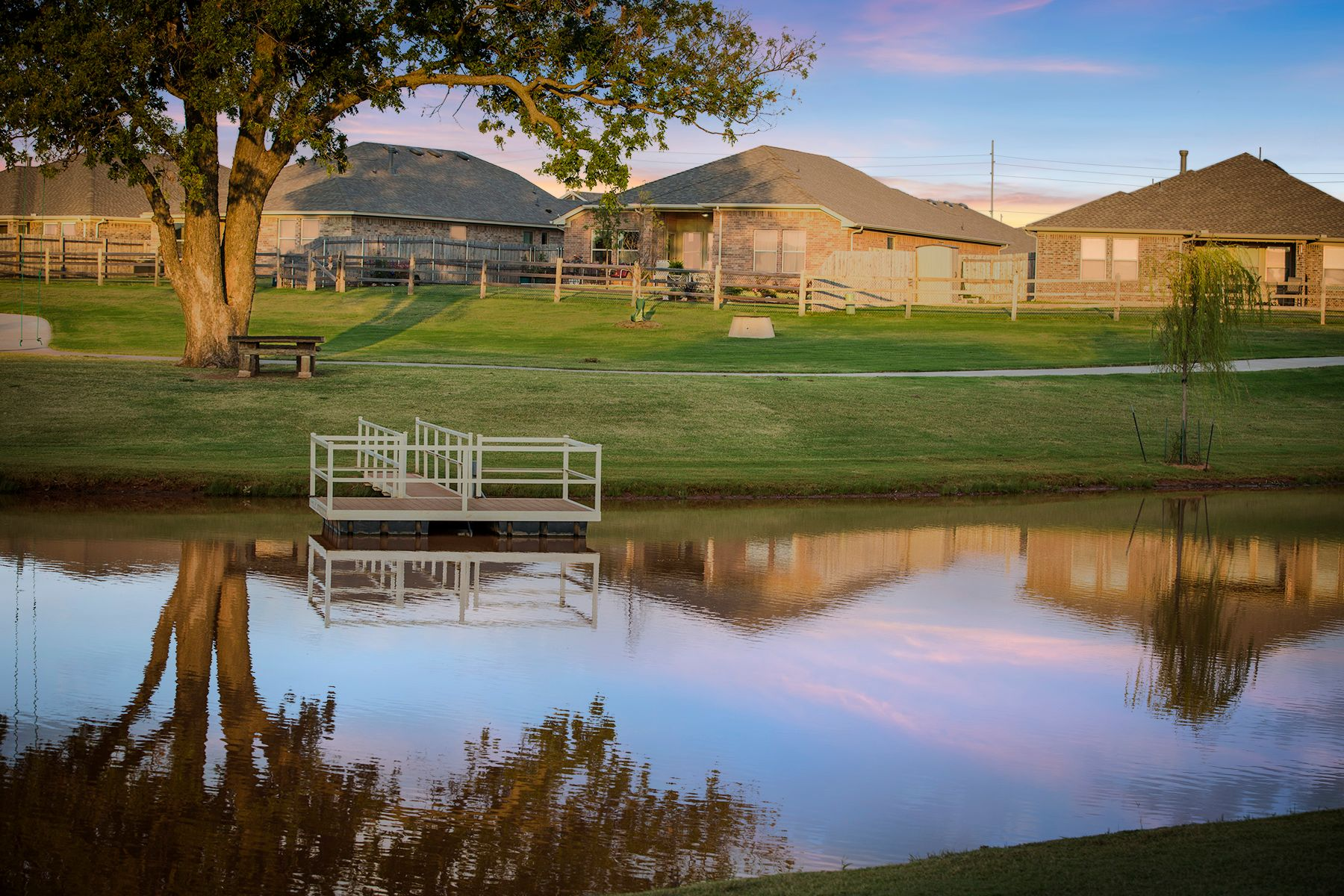 Pond in an Ideal neighborhood