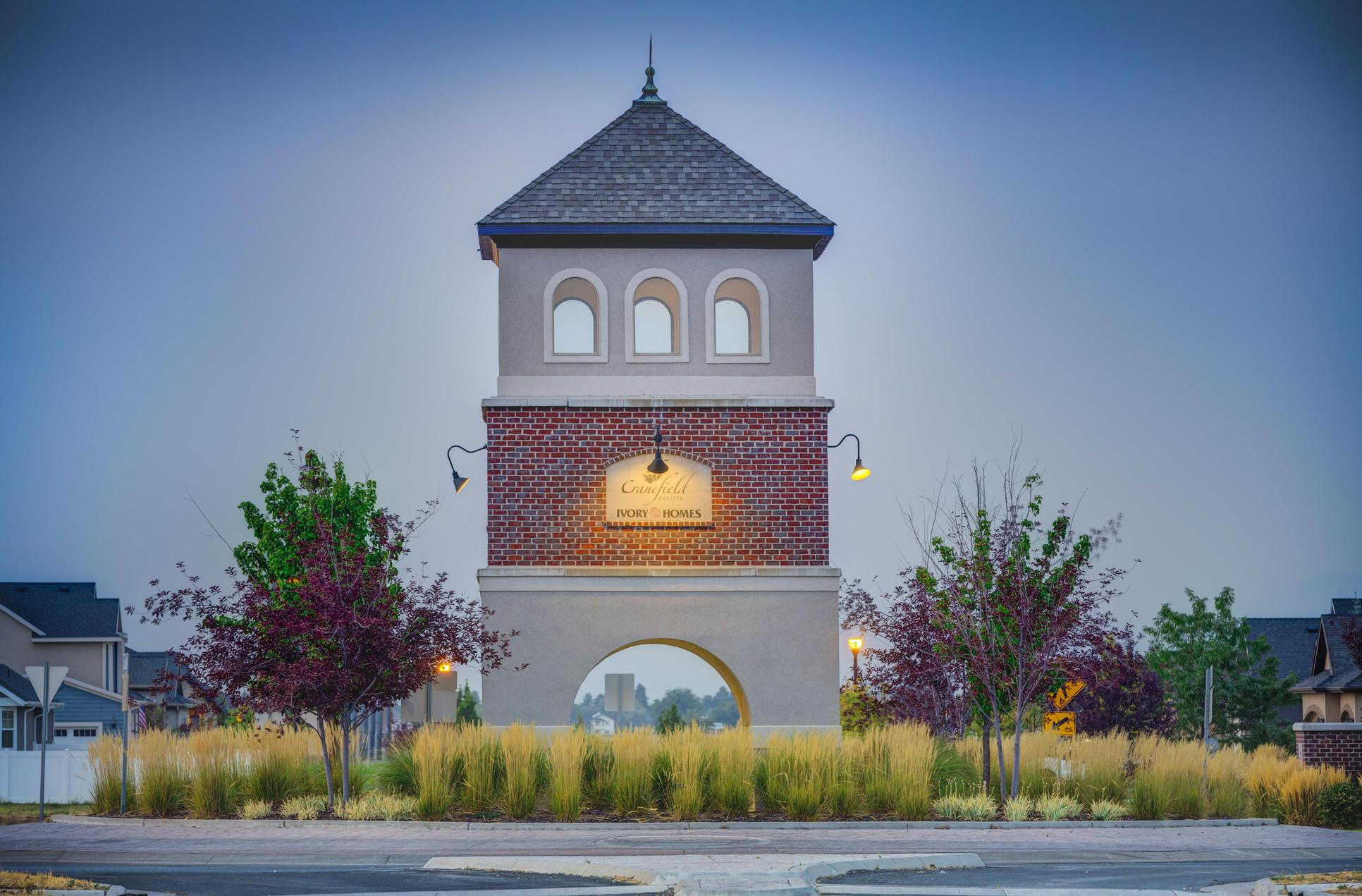 Cranefield Estates:Monument