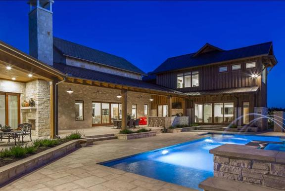 New Take on Texas Farmhouse