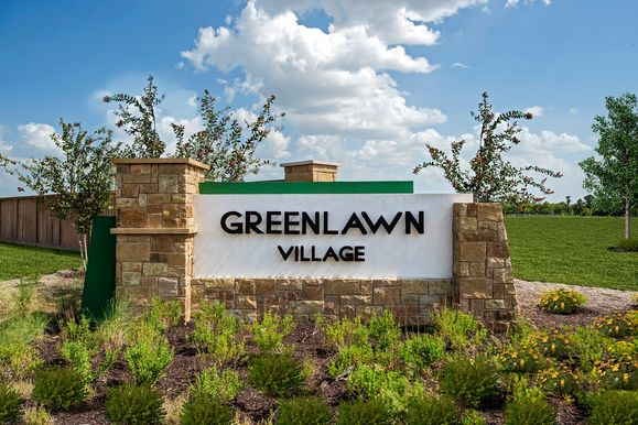 Greenlawn Village,78664
