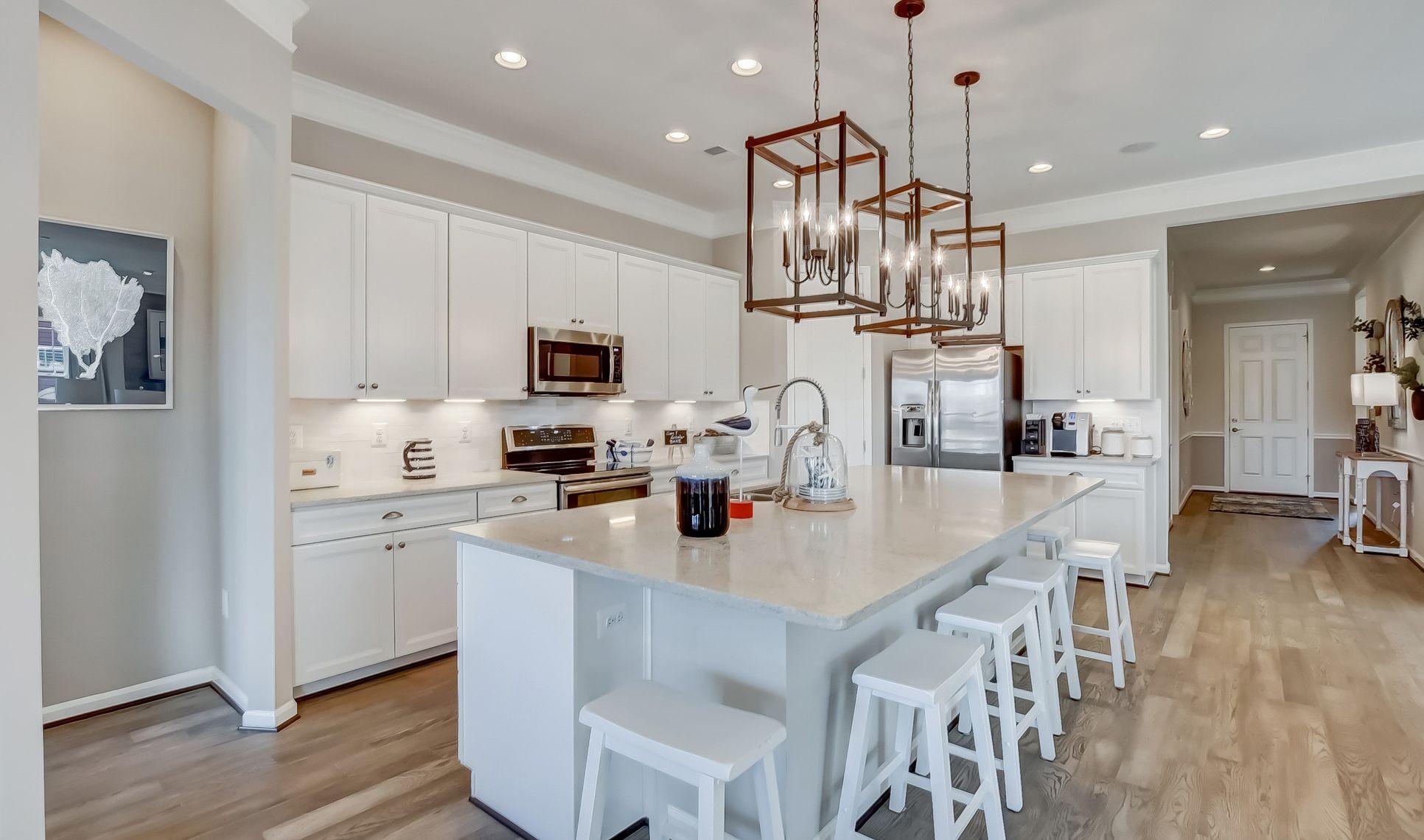 Interior:Striking kitchen with island