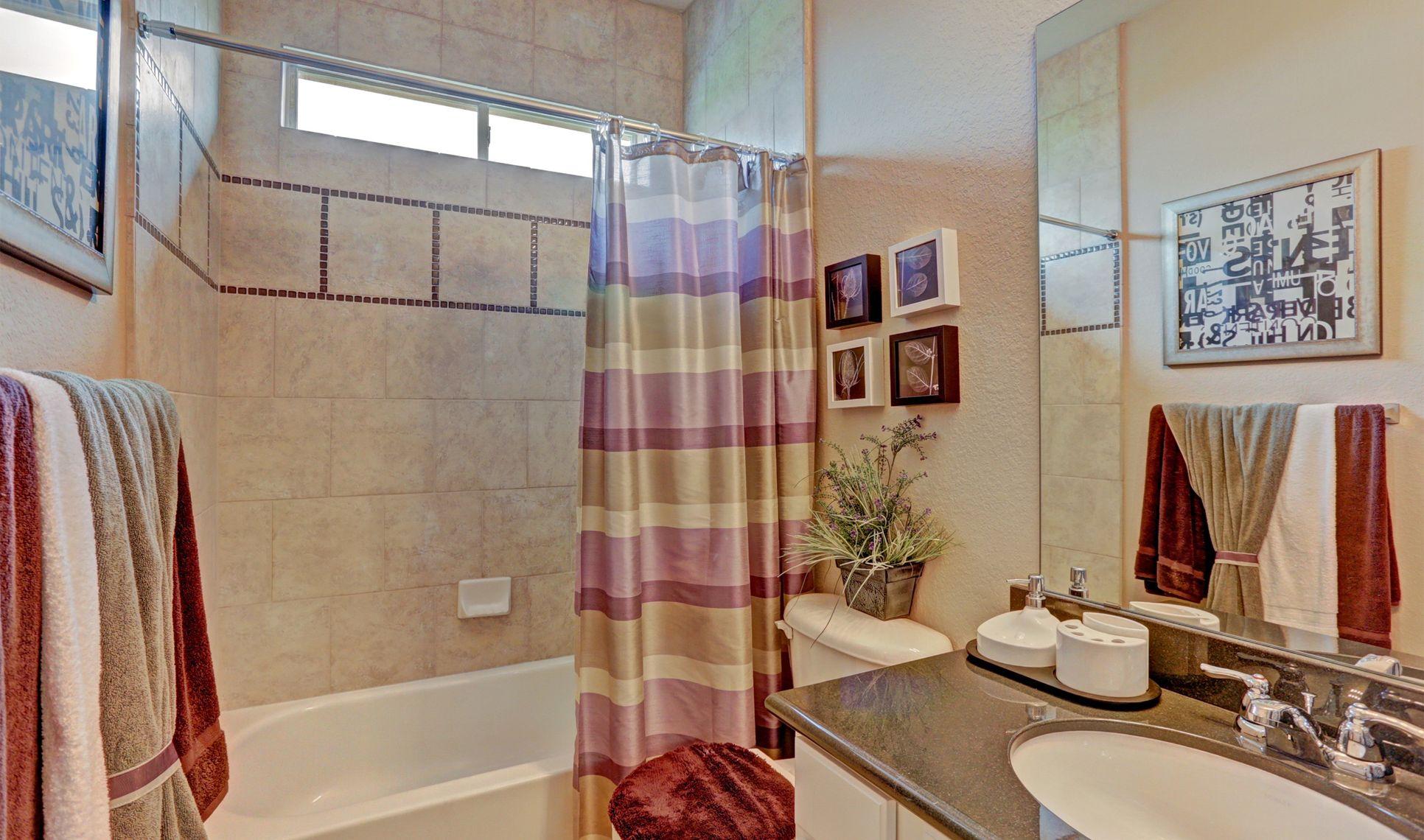 Interior:Bath 2