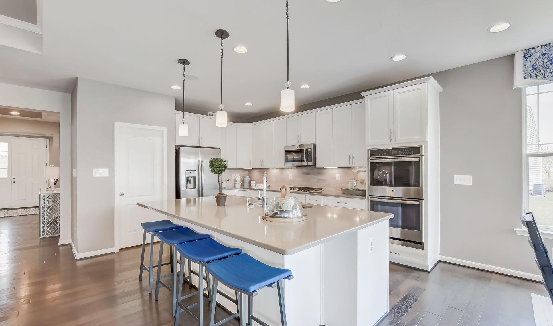 Interior:Kitchen with spacious island
