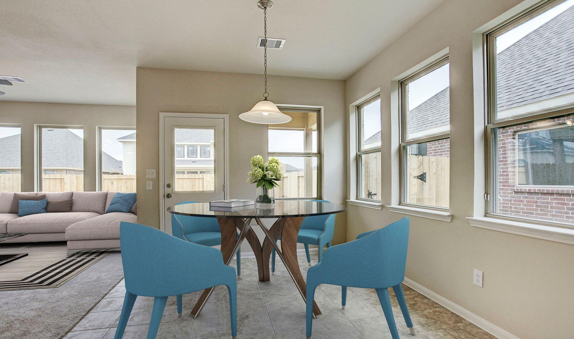 Interior:Cozy sun-lit dining area