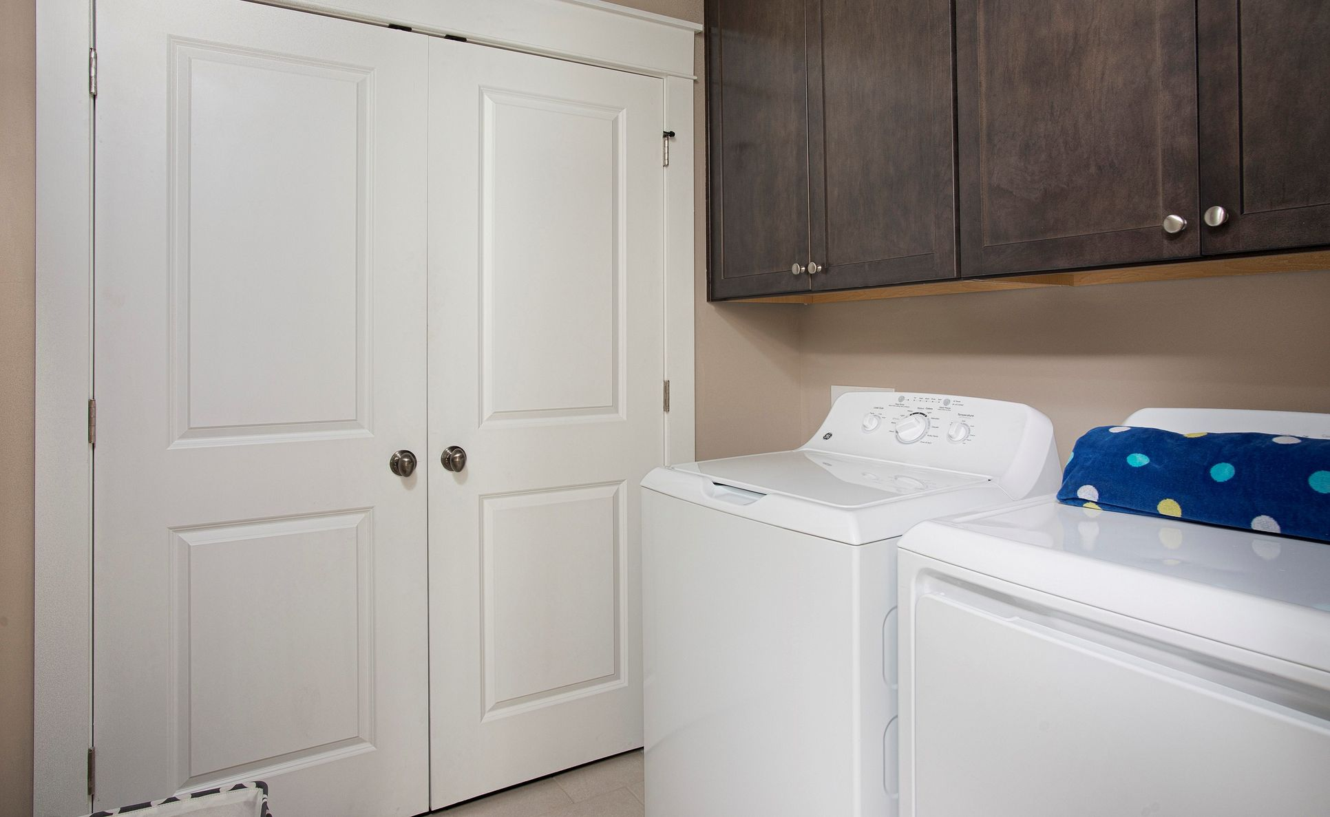 Interior:Convenient laundry room
