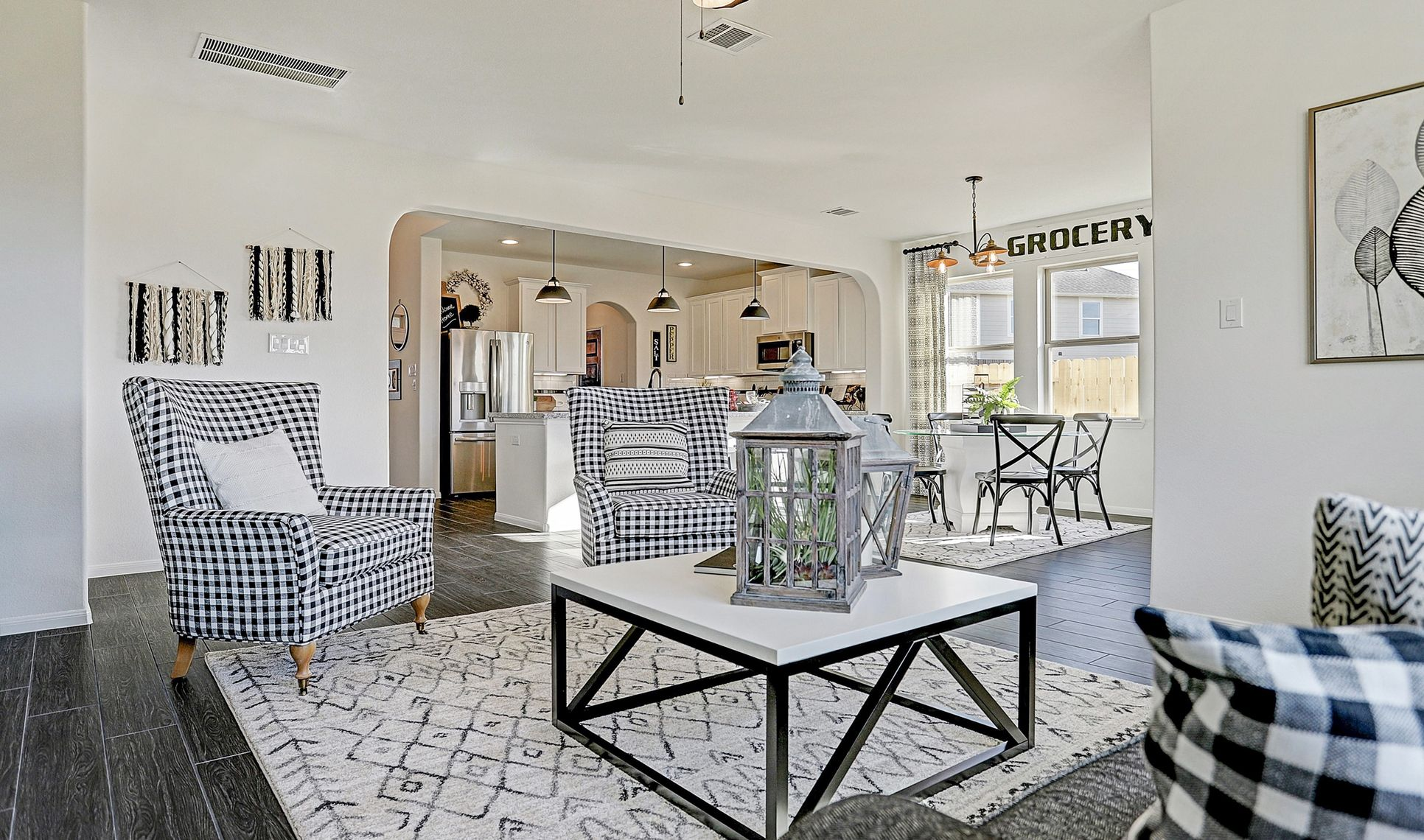 Interior:Great space for entertaining
