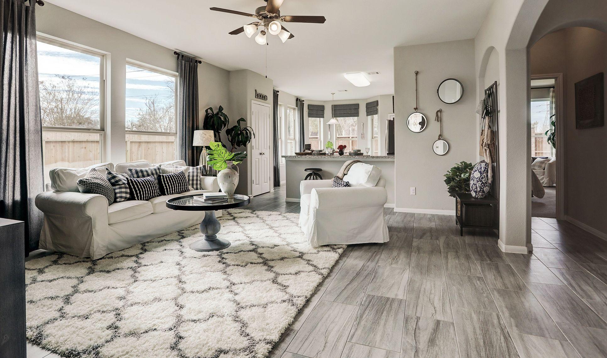 Interior:Lovely open floorplan