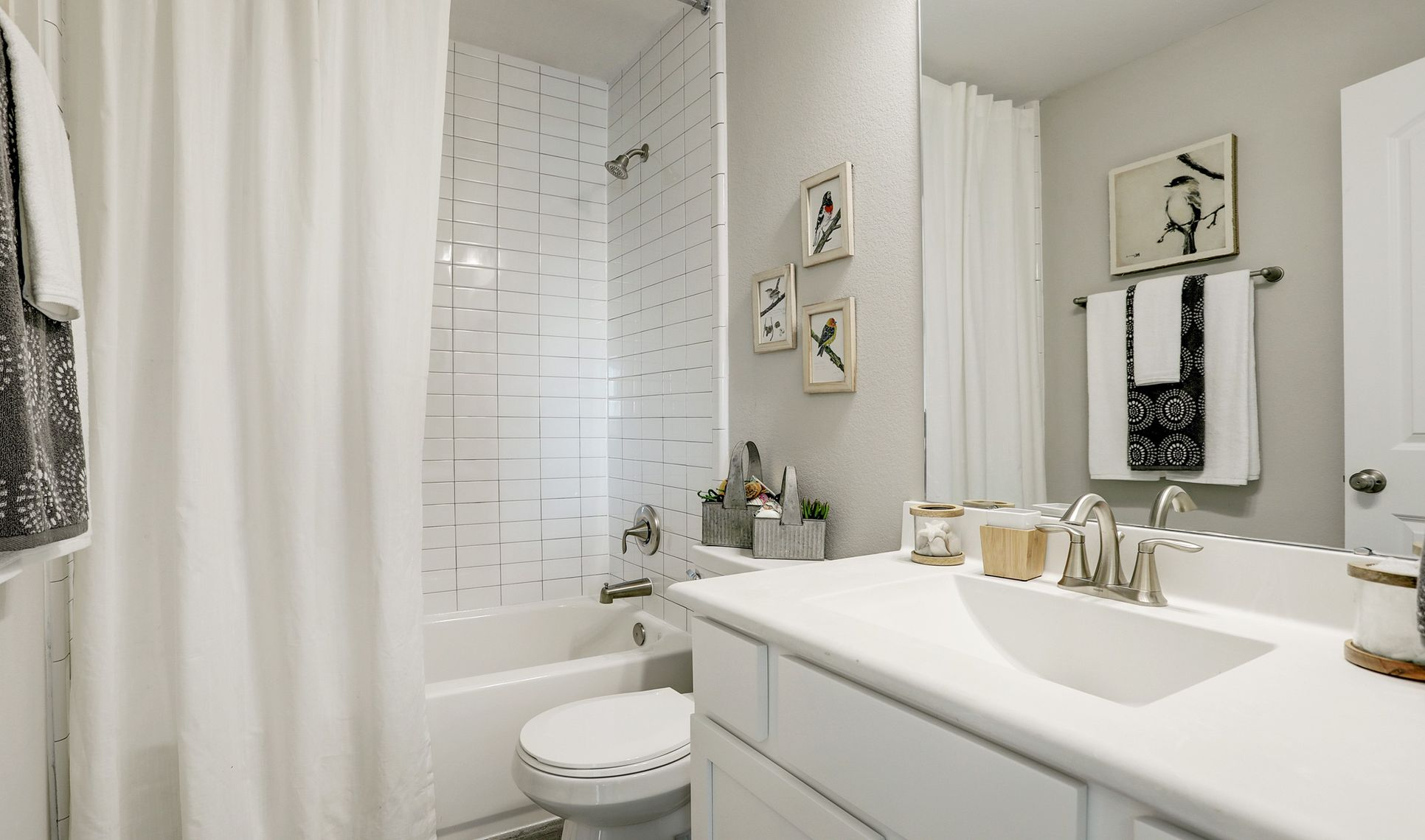 Interior:Bath 3