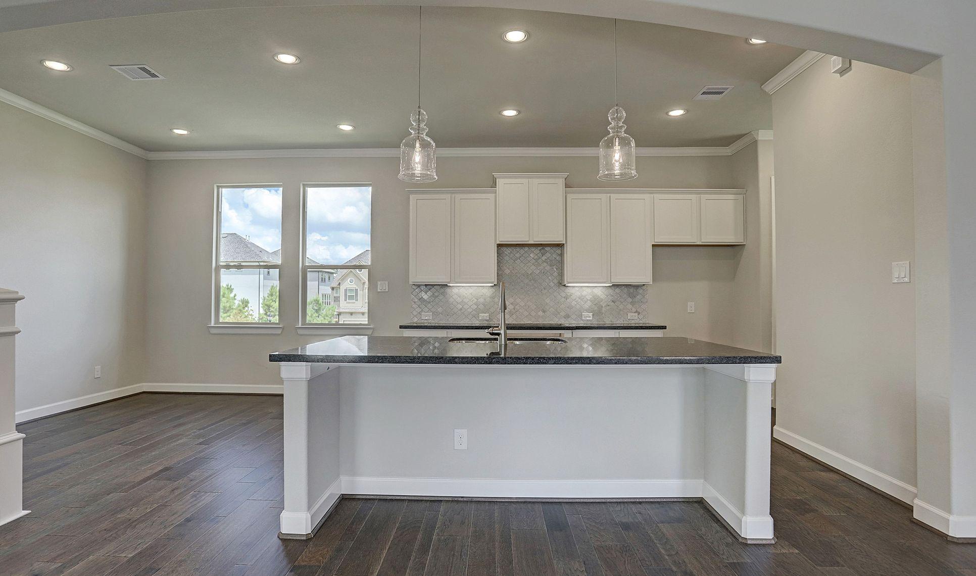 Interior:Elegant lighting in kitchen