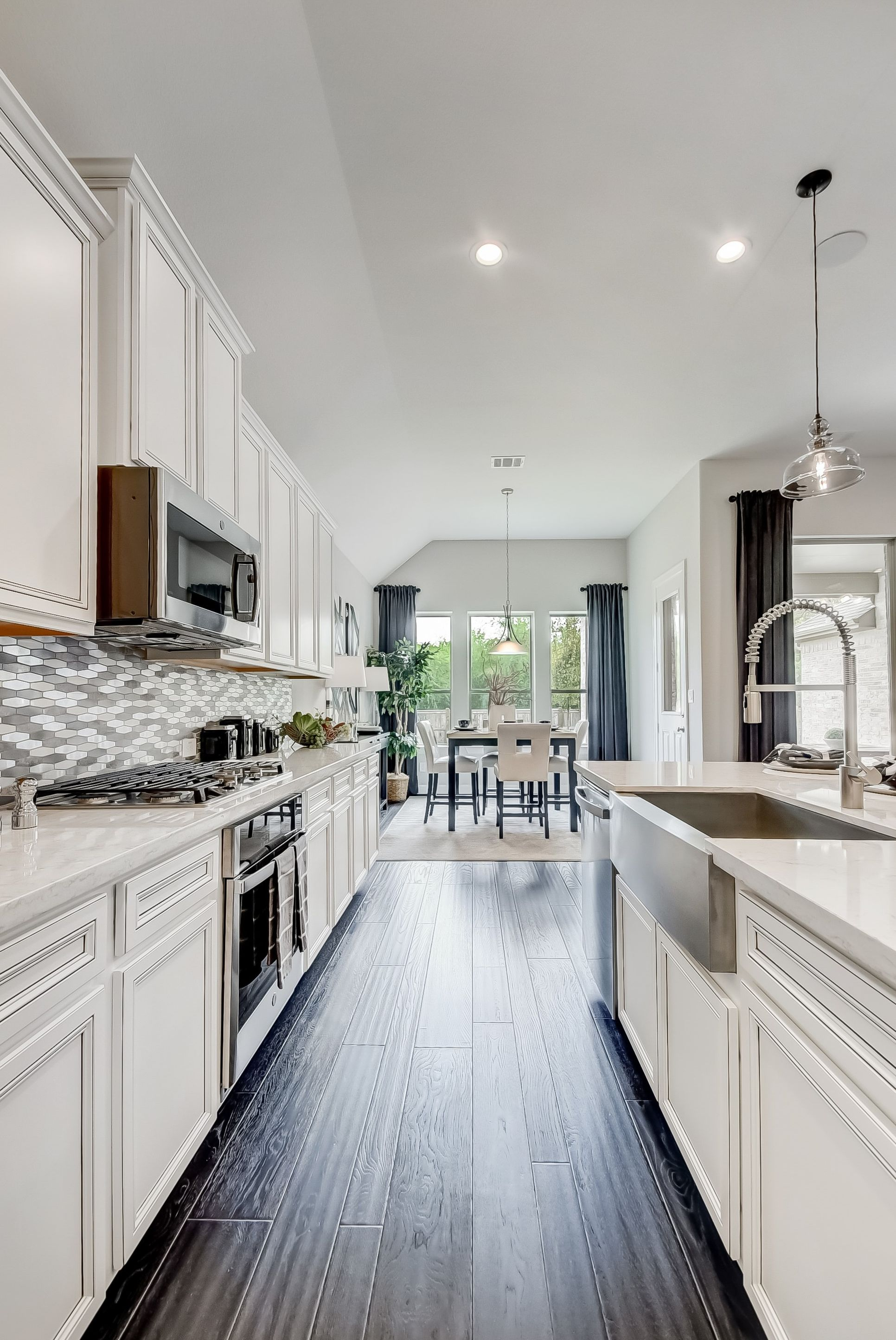Interior:Ample cabinet space