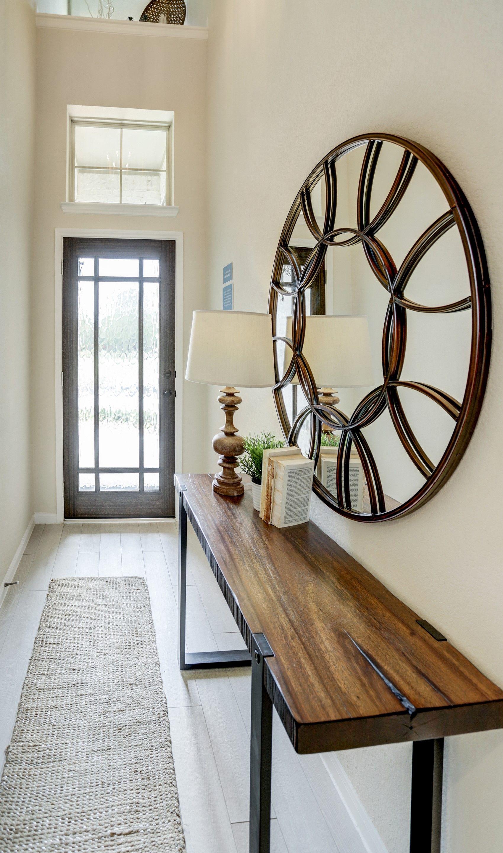 Interior:Bright foyer
