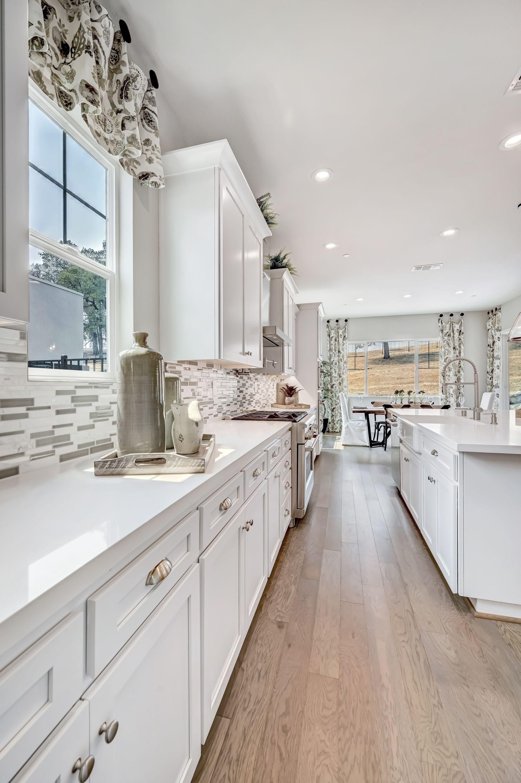 Interior:Kitchen with breakfast bar island