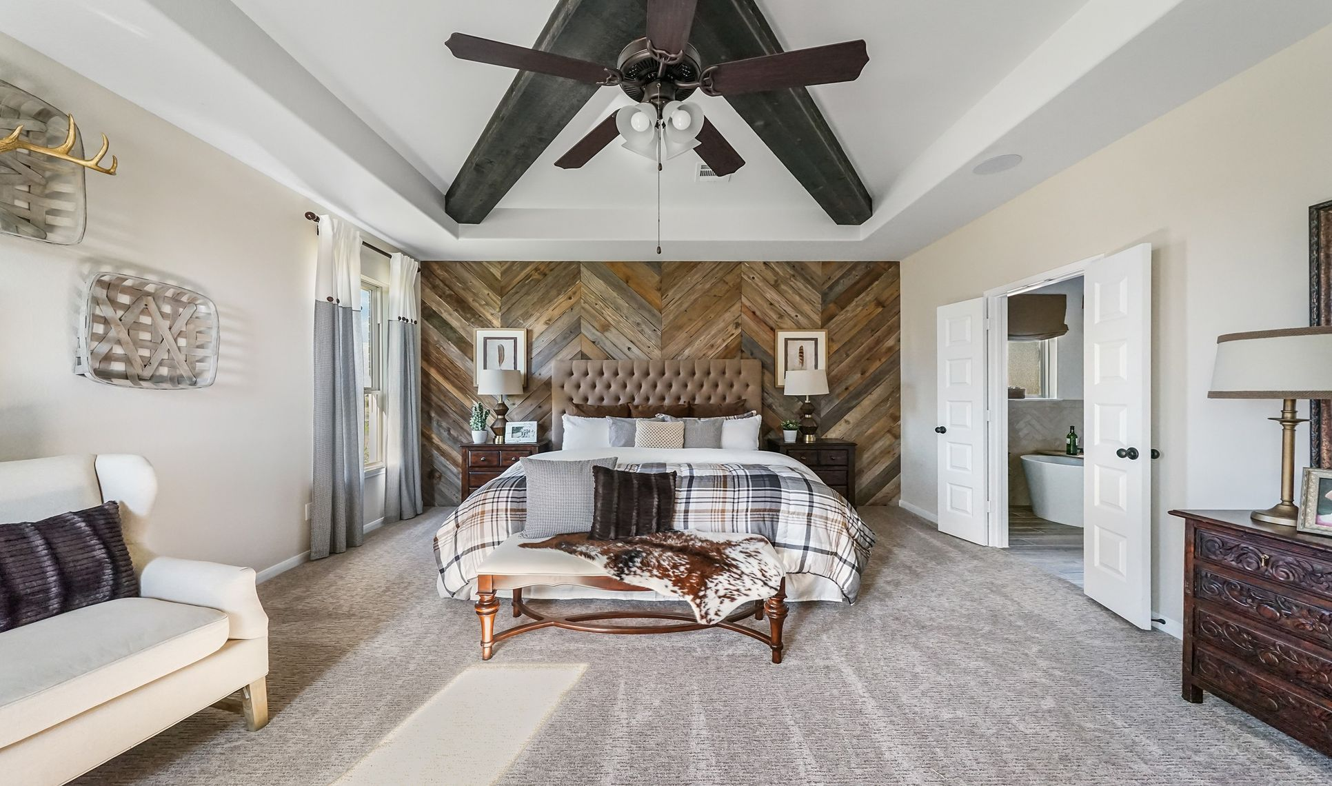 Interior:Relaxing owner's suite