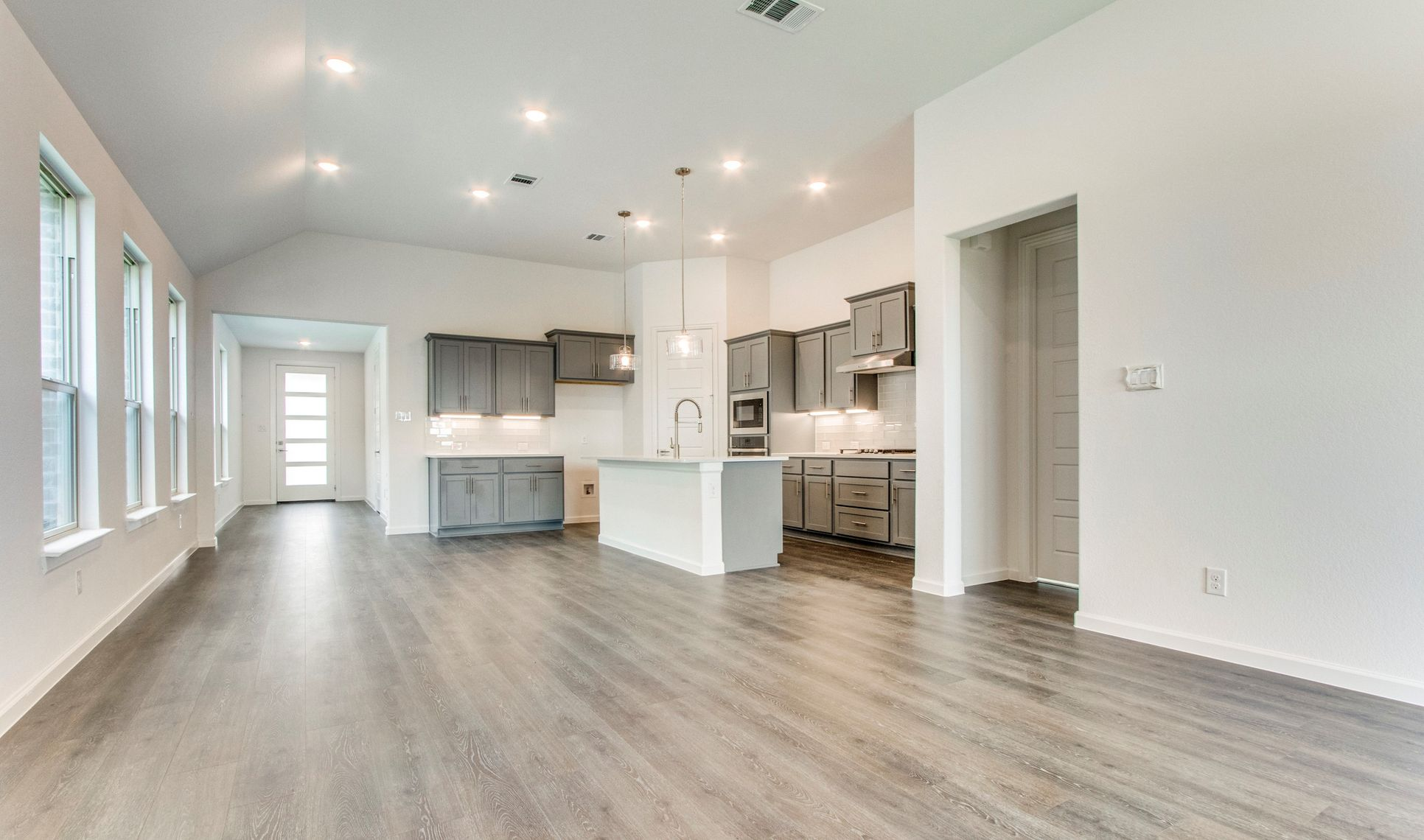 Interior:Ideal floorplan for entertaining