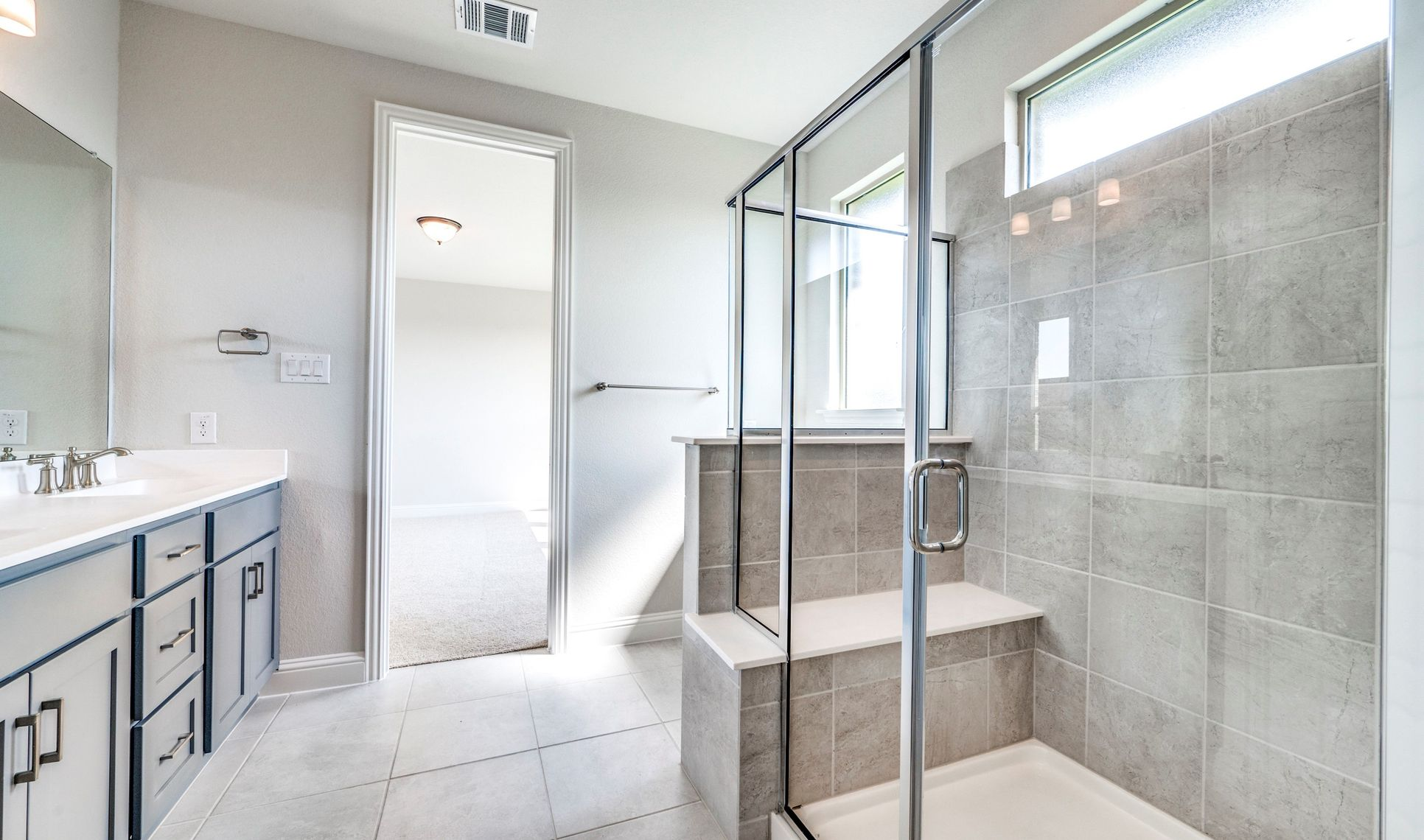 Interior:Serene owner's bath
