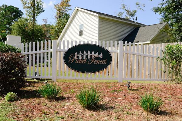 Picket Fences Community Entrance