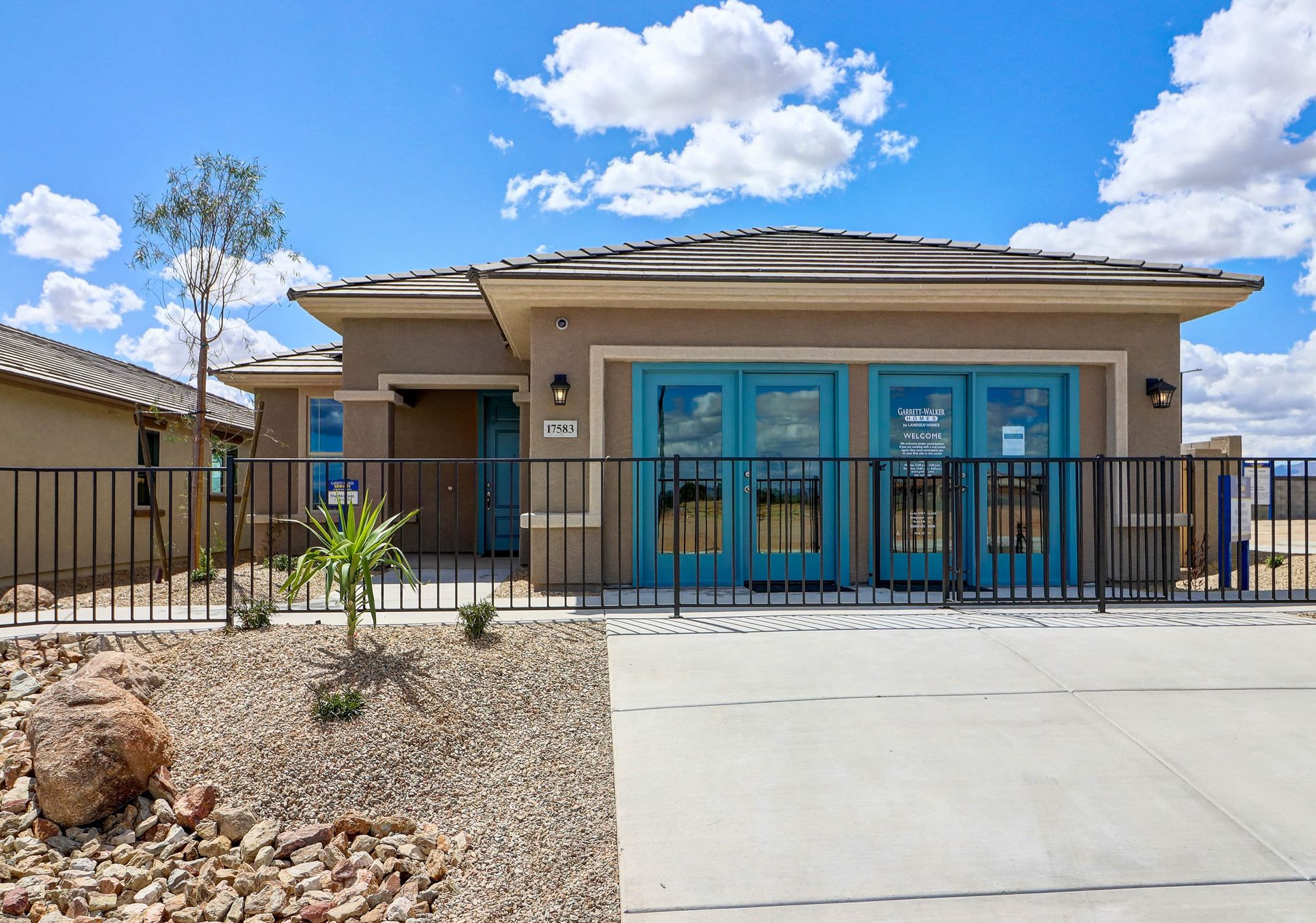 Madera W/ 8' Double Gate:Elevation