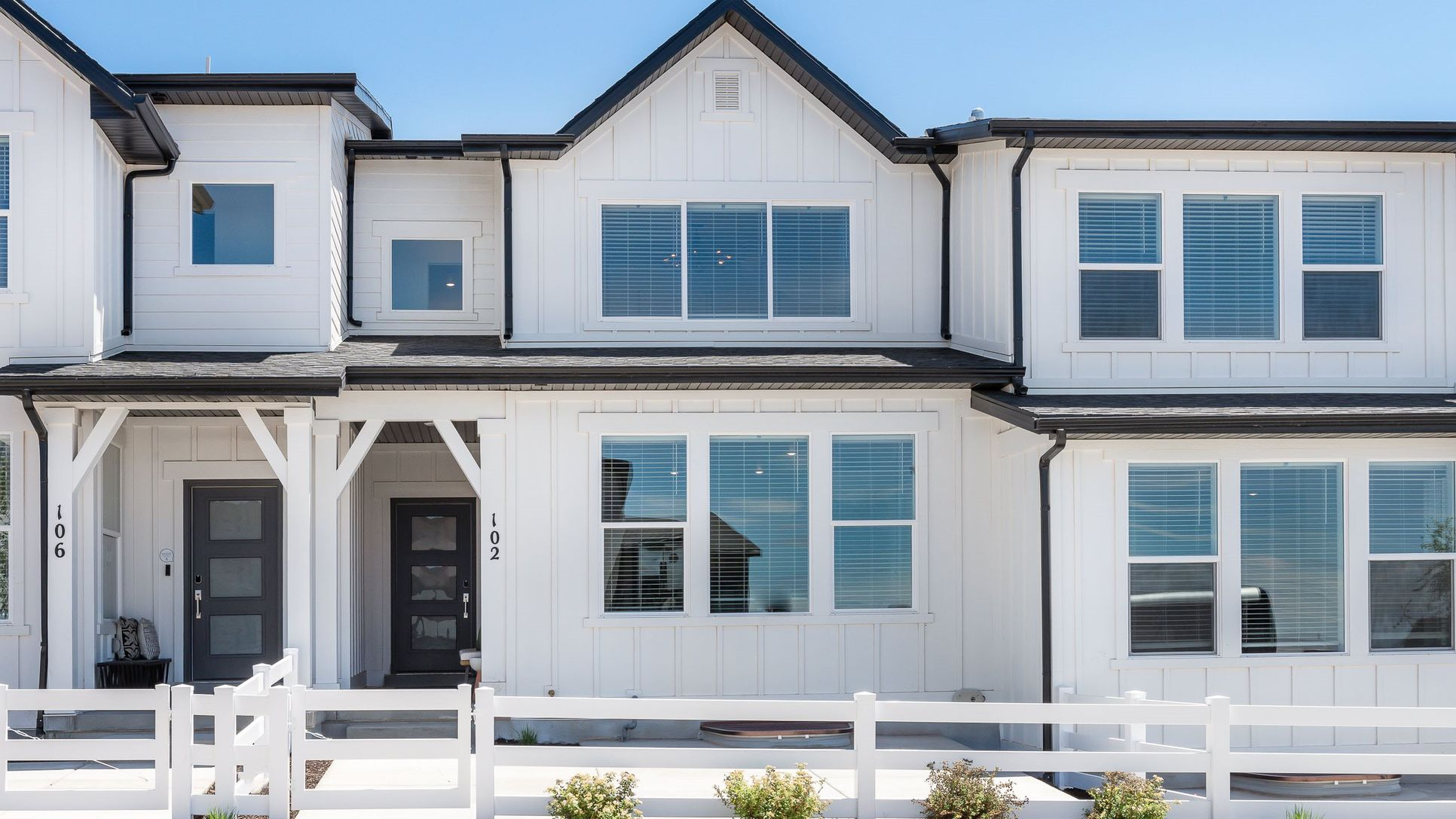 Residence 3 exterior