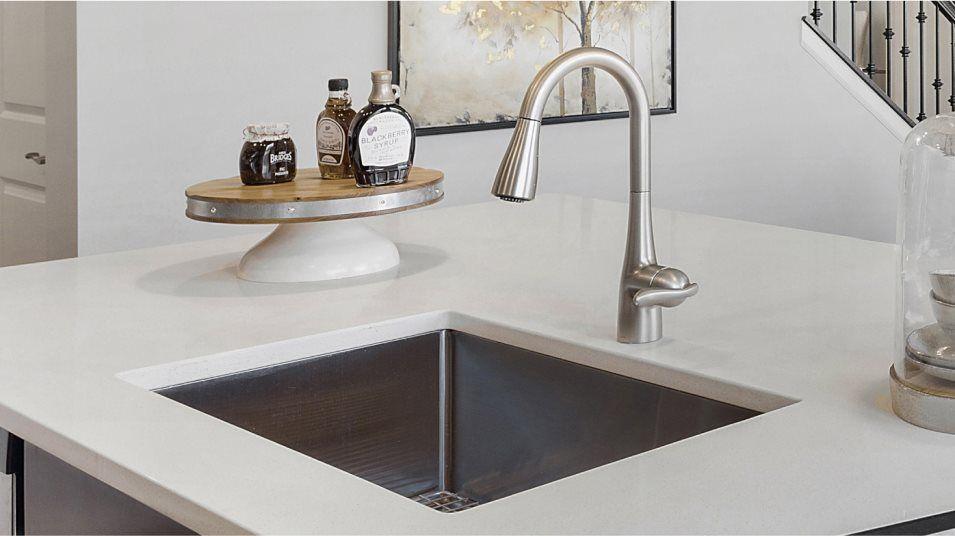 South Pointe Bryce ei Appliances Kitchen Pull-down