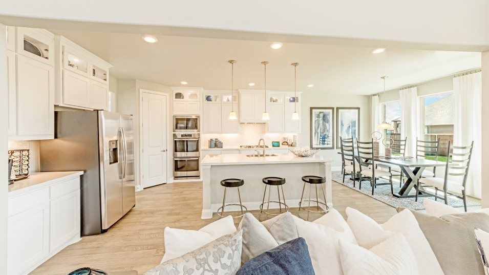Stoney Creek Sedona Kitchen:The gourmet kitchen boasts a granite center island for bar-style seating, ample cabinetry storage fo