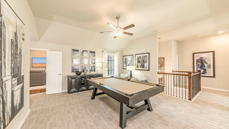 Stoney Creek Sedona Game:Located on the second floor is an open game room, perfect for playing billiards and other competitiv
