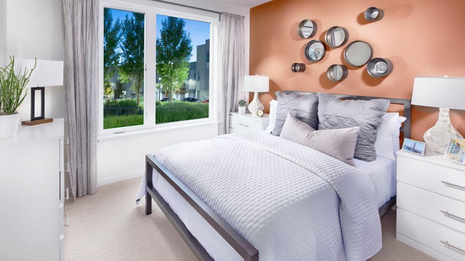 The Shipyard Landing 10 Innes #401 Bedroom 2:Situated near the entryway, this secondary bedroom is adjacent to a full-sized bathroom.