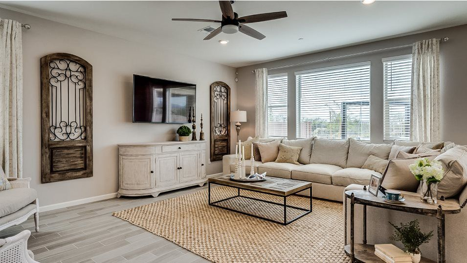 Mountain Vista Ridge 40s Collection Madera Living:The comfortable living room offers ample space for both intimate family gatherings and entertaining