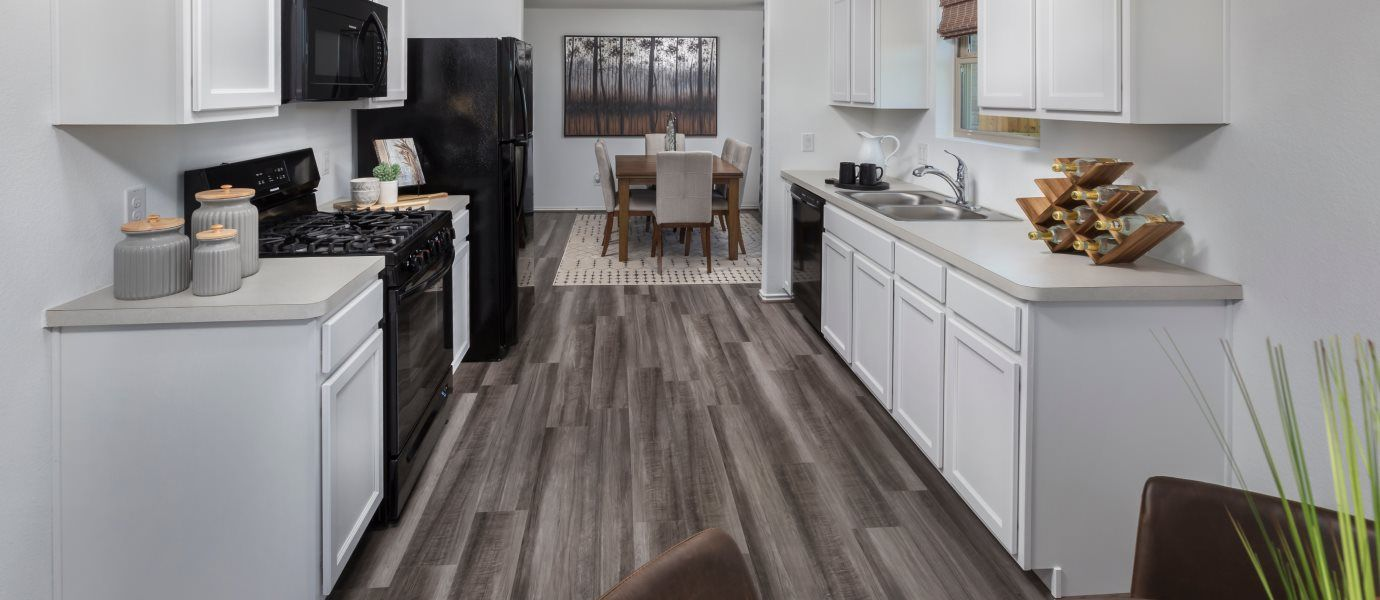 Lake-Breeze nuHome Collection Los Fresnos Room