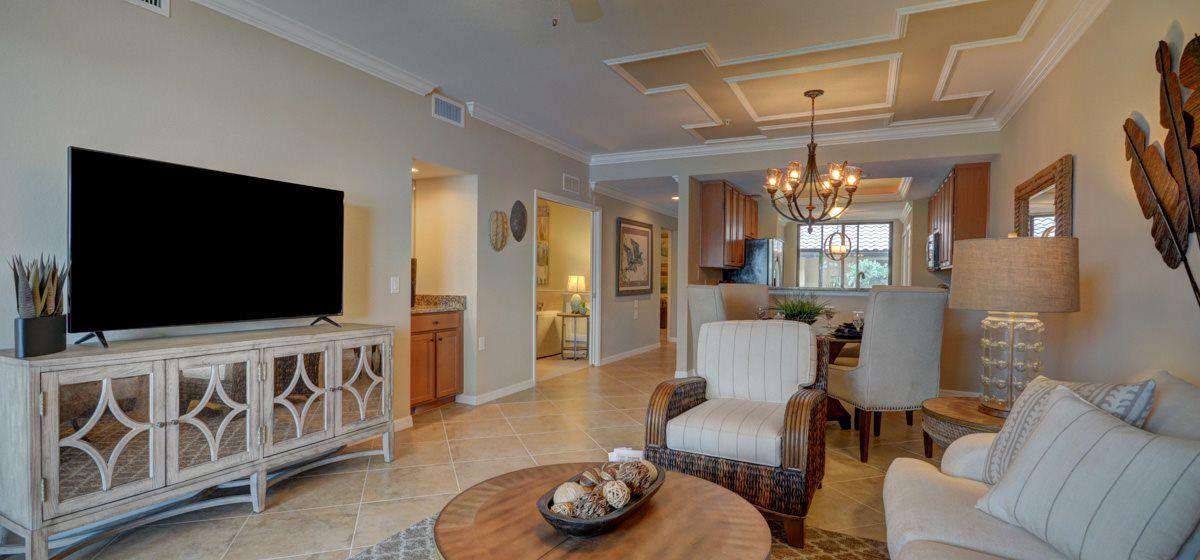 Bromelia living room