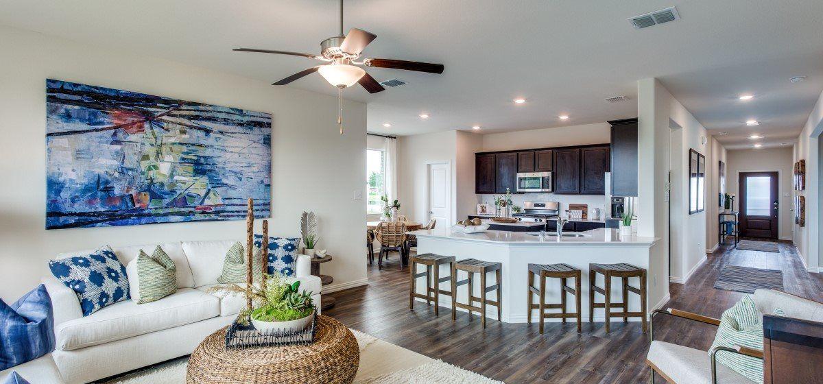 Allegro Family Room & Kitchen