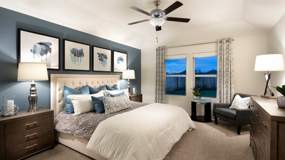 Saddlecreek Highlands Collection Catesby Owner's S:Situated at the back of the home for maximum privacy, the owner's suite is equipped with a spa-like