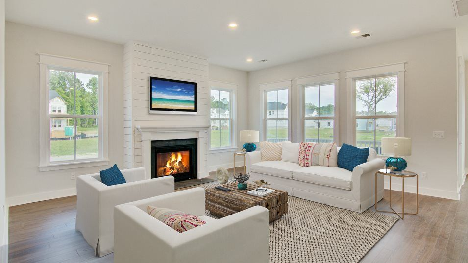 Carolina Park Phase 10 & 12 Keowee Family Room:Fit for movie nights or lounging around after a day of stress, this comfy living area provides a coz
