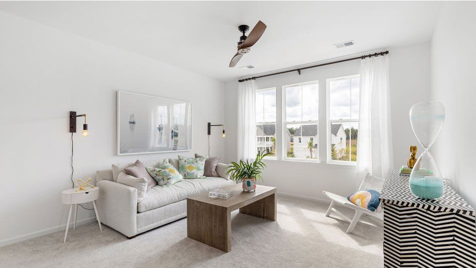 Carolina-Park Phase 10 & 12 ELLIOT Loft:Centrally located on the second floor, this loft is another shared living space that can be transfor