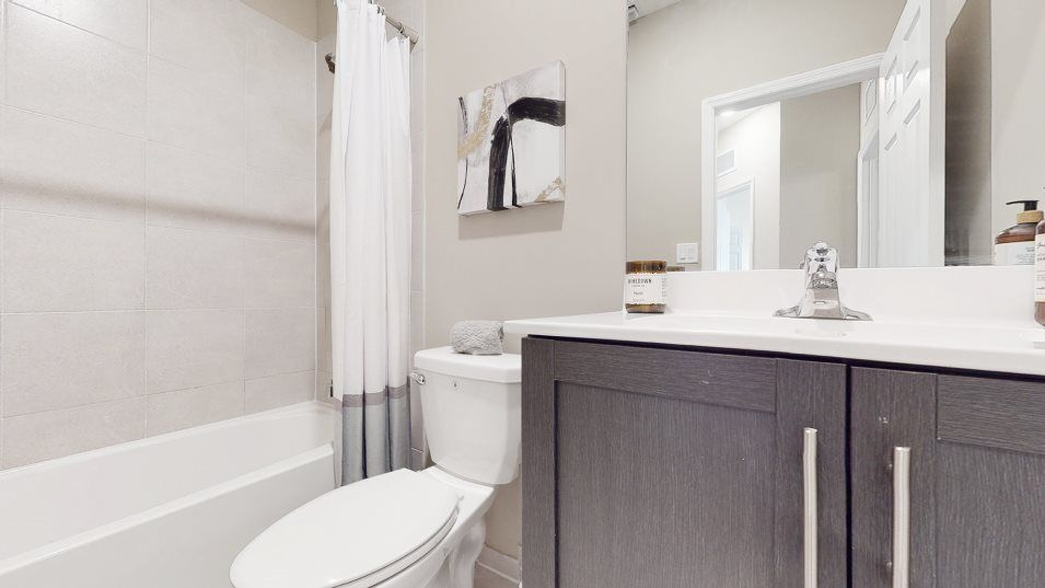 The-Riviera Rio Collection Dijon Bathroom 2:This full bathroom is located on the second floor, conveniently close to the secondary bedrooms and