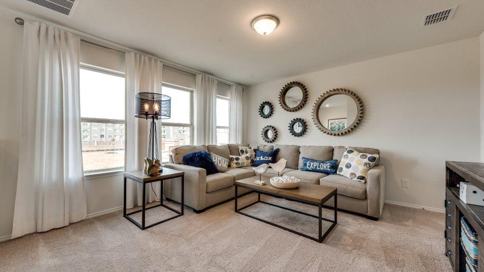 Heartland Jewel Diamond Bonus Room:A bonus room on the second floor is flexible space that's great for kids and teenagers.