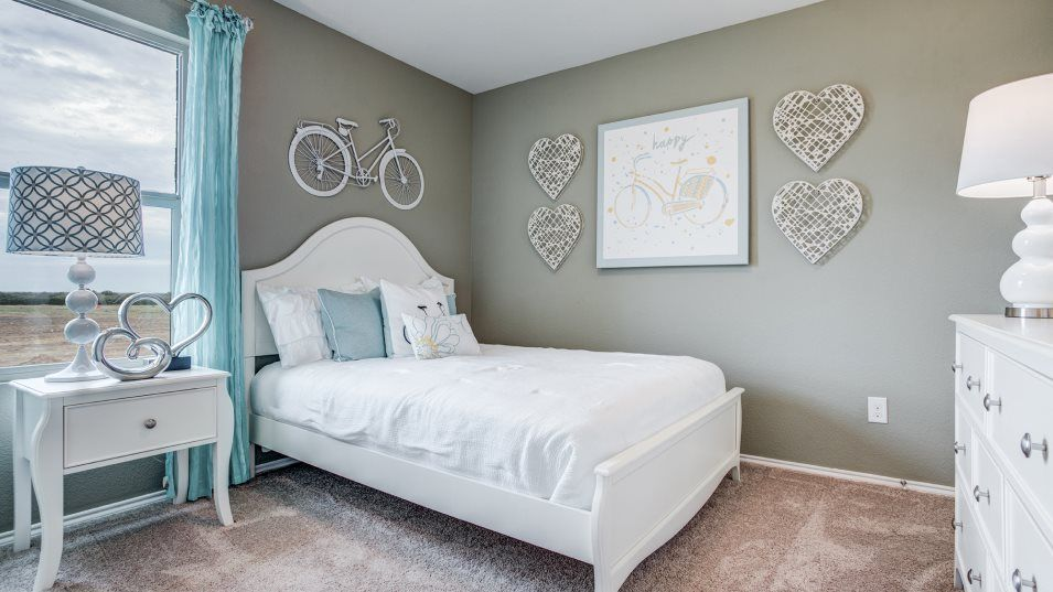 Sendera Ranch Watermill Whitton Bedroom 2:Two bedrooms share a bathroom at the front of the home, perfect for younger family members.