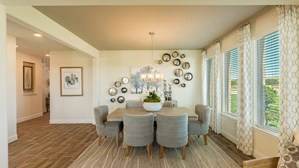Caraway-Vista 80' Freedom Dining Room:A flex room across the hall from the kitchen can be used as a formal dining room or study at select