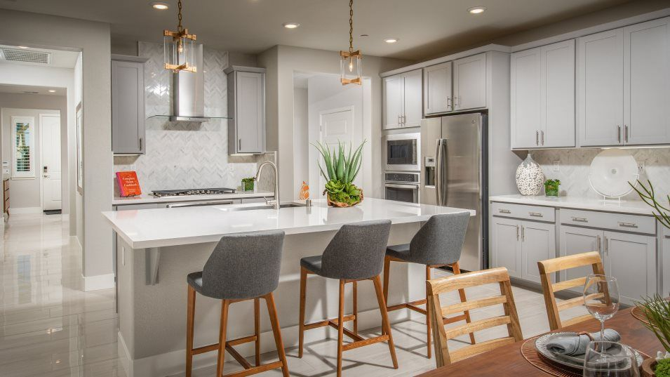 Heritage El Dorado Hills Legends The Montecito - 2:The chef-caliber kitchen will inspire families to try new recipes while refining the classics. A spa