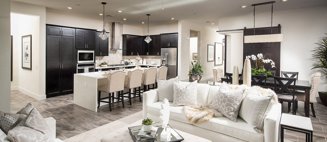 Heritage Solaire Eclipse Residence 2650 Living