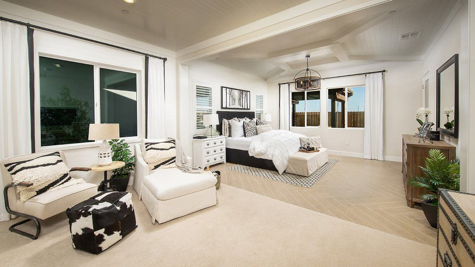 Heritage Solaire Eclipse Residence 2766 Owner's Su:The owner's bedroom has a spacious retreat ideal for curling up with a good book. Included are a wal