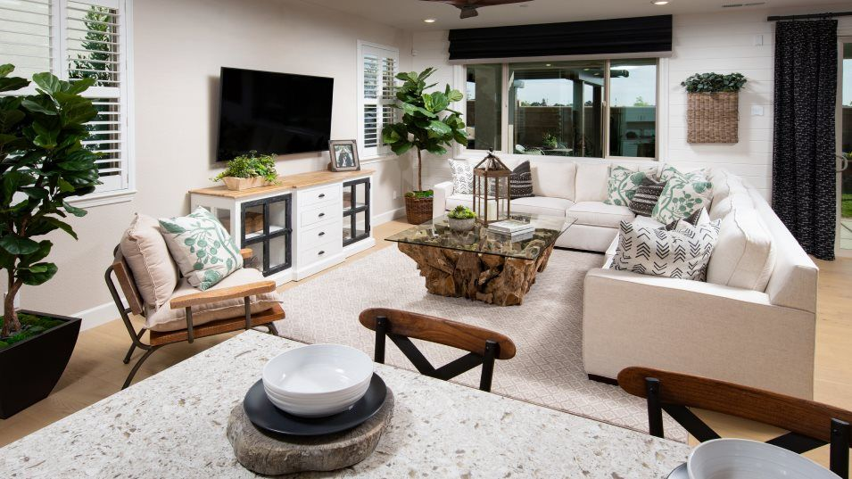 Oceano at Fieldstone Residence 2502 Great Room:The Great Room is a great place to curl up on the couch, sip tea and read with the kids. The kitchen