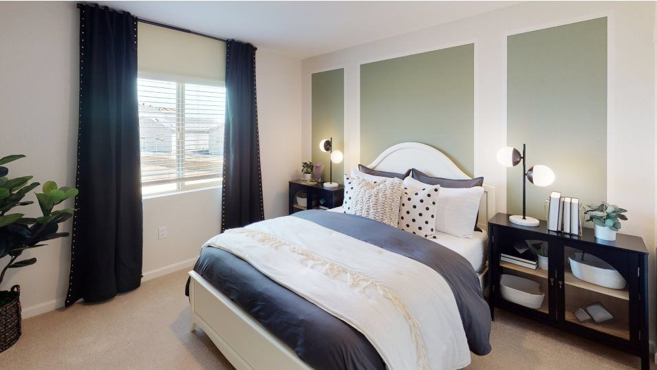 Verdant Residence 2536 Bedroom 3:The main home is host to four bedrooms in total, while the Next Gen® suite adds one more.