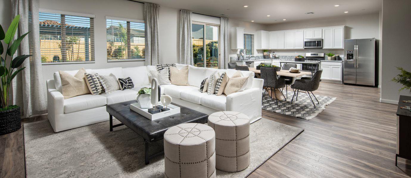 Verdant Residence 2184 Living