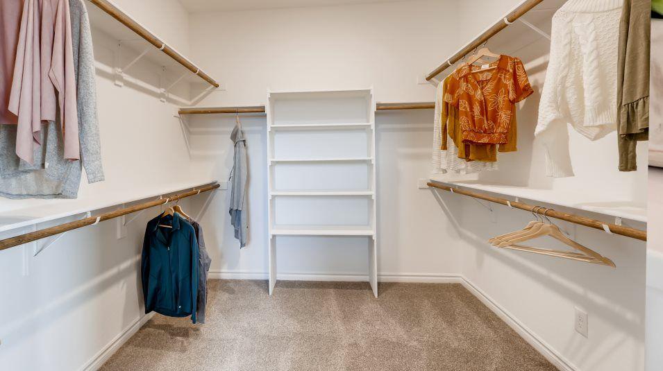 Mira Mesa Elliot Closet