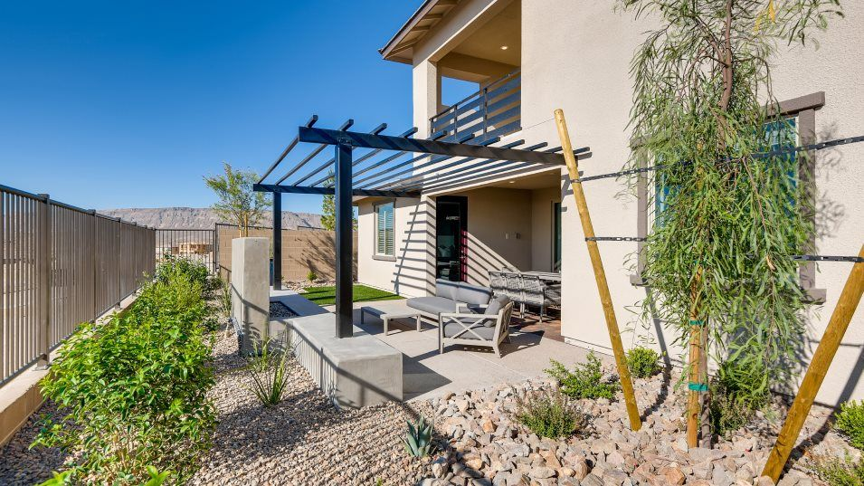 Summerlin Gracycliff Aspen Outdoor Space:A covered and exposed patio space makes it easy to enjoy the outdoors at this home.