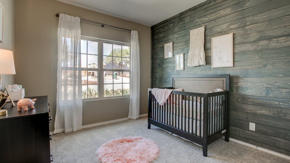 Potranco-Run Brookstone II, Westfield, & Barringto:With four bedrooms total, there is ample space to accommodate the evolving needs of growing families