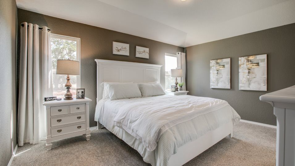 Waterford Park Houghton Bedroom 2:The secondary bedrooms are easily transformable to suite the household's needs, excellent for overni