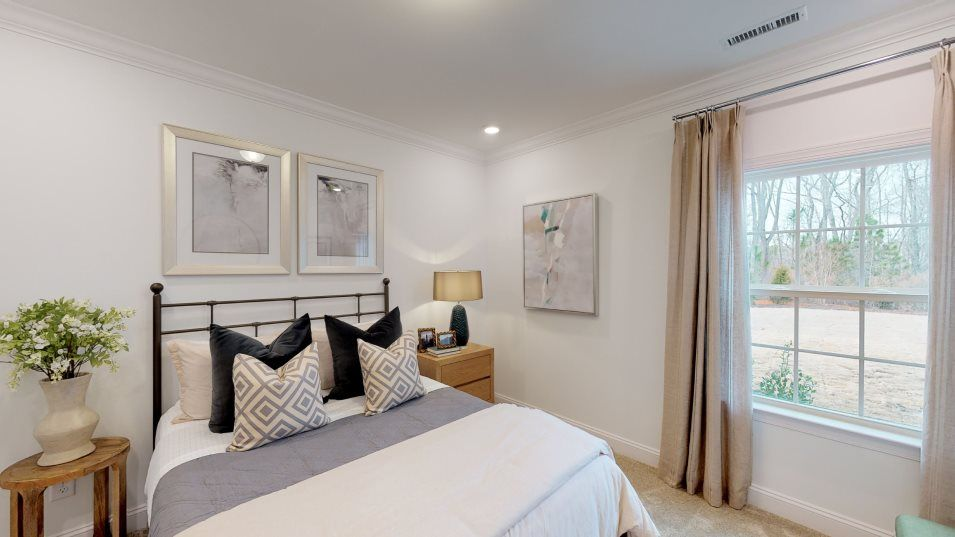 Bellewood Summit Collection Mayflower III Bedroom:Separate from the other sleeping spaces, this first-floor bedroom is great for overnight guests—even